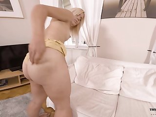 A big ass is what men settle upon in bed coupled with that bootyfull babe loves masturbating