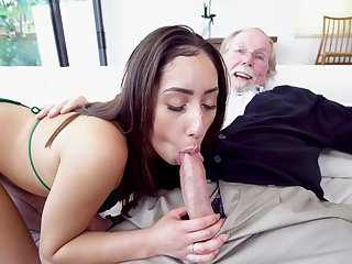 Old grandpa gets it on with beautiful youngster Kira Perez