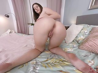 Alone long legged Hungarian Alessandra Amore loves teasing himself