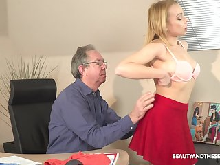 Older guy seduced wits his younger secretary Rebecca Insidious for sex