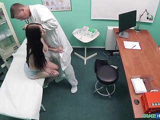 Naked patient changeless fucked unconnected with the physician and taped tiny